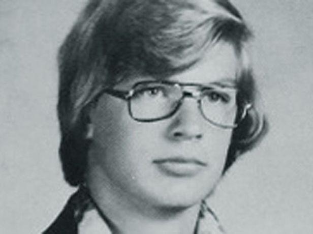 lg_70fa97-Jeffrey_Dahmer_HS_Yearbook.jpg